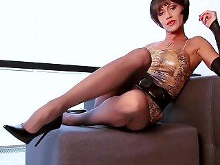 Hot milf in pantyhose nn show #mrbrain1988