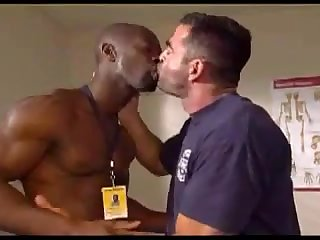 Muscular gay doc fucks his patient