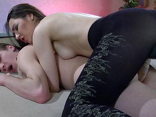 Hot fucking online video lesbian dildos